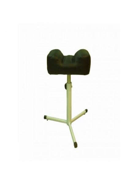 Подставка под педикюрное кресло Тринога